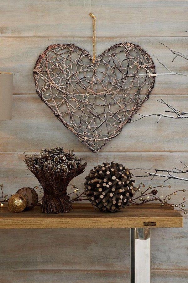 Wand Deko selber machen: Herz Ornamente