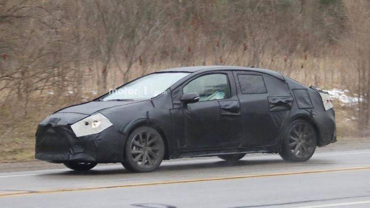 2020 New Toyota Avensis Spy Shots New di 2020