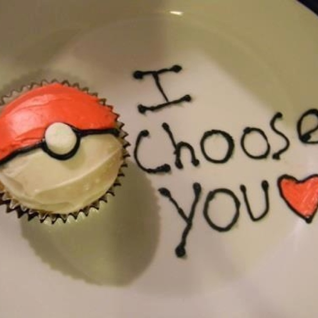 d'awww and pokeball cup cake :)
