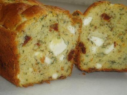 Cake aux tomates séchées, feta, basilic  Testé et validé aussi bien tiède que froid +++