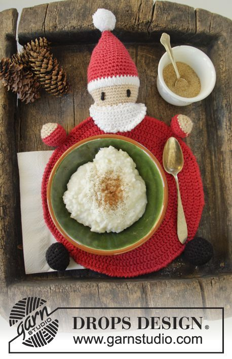 "Brunch with Santa - DROPS Jul: Heklet DROPS nisse bordbrikke i ""Paris"" - Gratis oppskrift by DROPS Design"