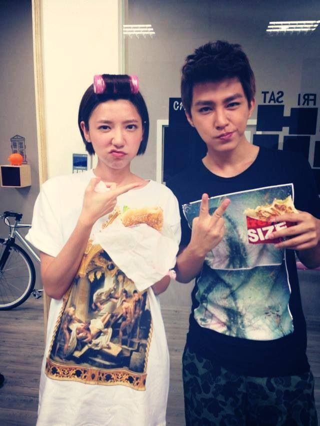 Taiwan couples girlfriend was forced to shoot her boyfriend film av素人好康分享 - 1 5
