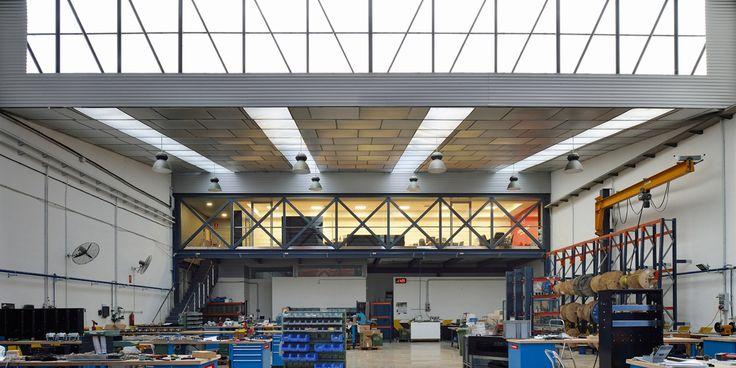 Nave Industrial. Reforma integral HIMOINSA Headquarters - Arquitania Business