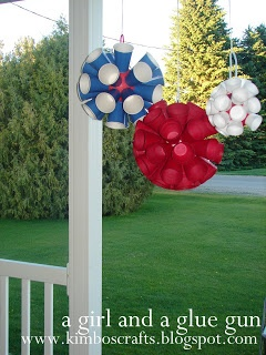 cute and inexpensive july 4th decoration using recycled cups