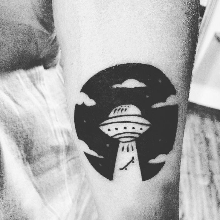 Tattoo feita hoje no Phablo #skateamizade #skateboard #skatetattoo #tattoo #ignorantstyle #ignorantstyletattoo by danielsouza86