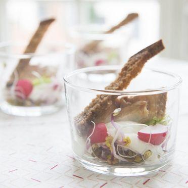 Hapje met makreel, radijsjes en mierikswortel  - Dille & Kamille | Ontdek onze nieuwe paascollectie