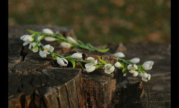 Schneeglöckchen Kranz, Blumenkranz, Bräutigam Ansteckblume, Brautjunfern Schneeglöckchen, Brautkranz, Schneeglöckchen Schmuck, rustikaler Kranz    Blumen sind vollständig von Hand gemacht. Jede...