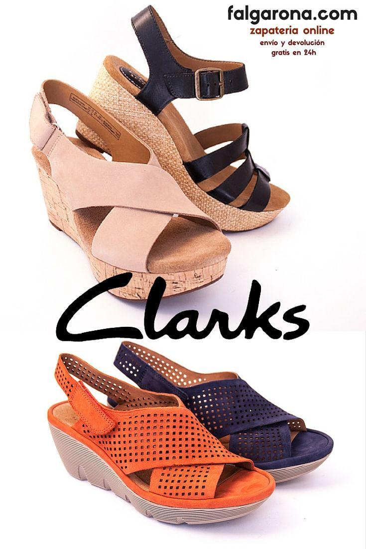 Nos vamos a la moda de las sandalias de Inglaterra, la marca de zapatos Clarks trabaja desde 1825. Con tantos años saben lo que hacen, en falgarona.com también lo sabemos.
