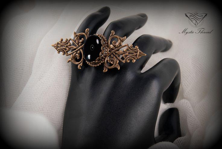Black agate gothic victorian adjustable ring / e-shop: www.mysticthread.com / facebook: www.facebook.com/mysticthread.ltd  #mysticthread #gothicshop #gothicring #victorianring #blackagatering #gothicjewelry #victorianjewelry #adjustablering  #vintagejewelry #vintagering #blackagateljewelry