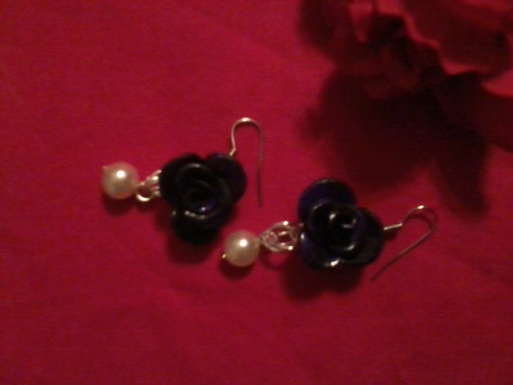 Earrings with clay rose and white pearl