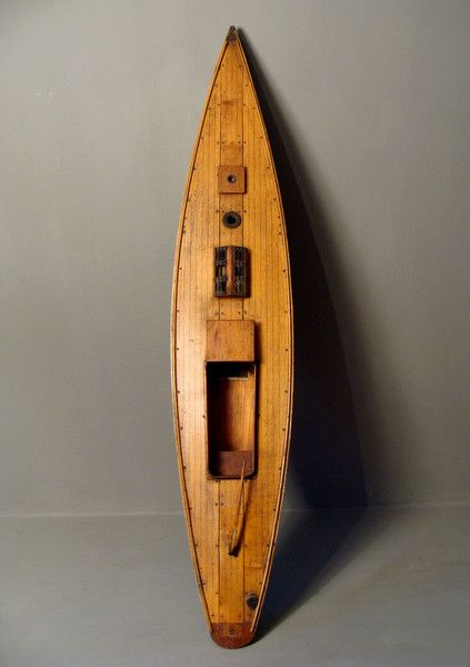 Edwardian Pond Yacht. 1901 to 1910 tailed boat.with lead keel and brass fitments.