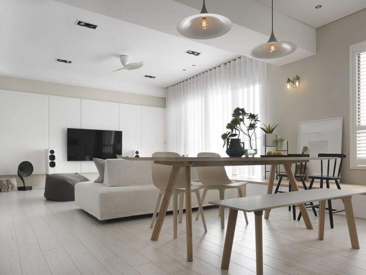 Weisses Laminat Graue Schattierungen Wohnzimmer Esstisch Minimalistisch  #bodenbeläge #fliesen #gray #apartment #