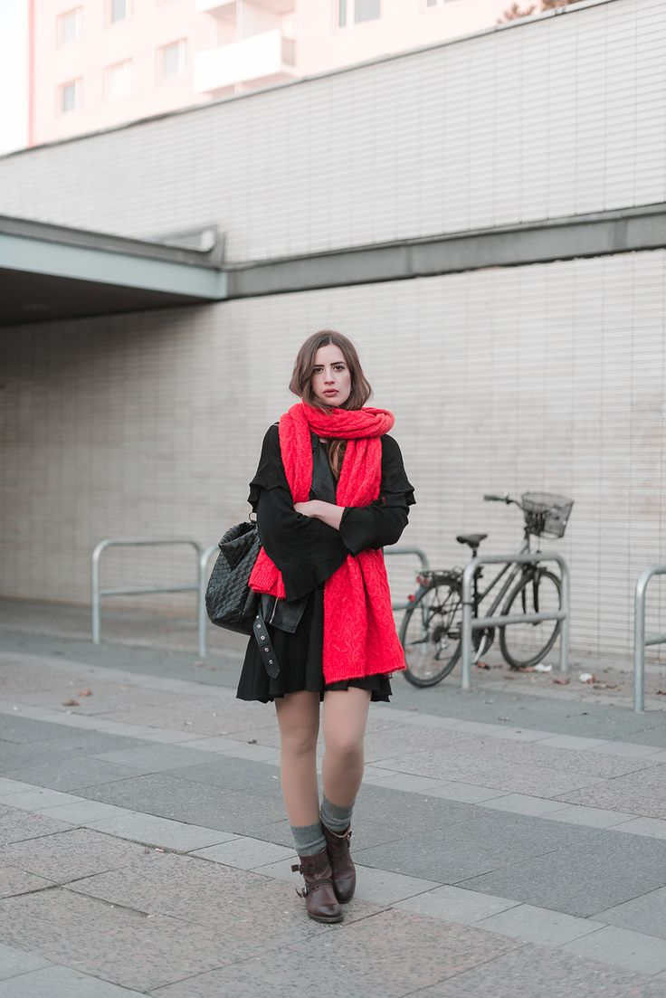 Statement Schal-Outfit mit Schal-Winteroutfit Boots-Modeblog Berlin-andysparkles