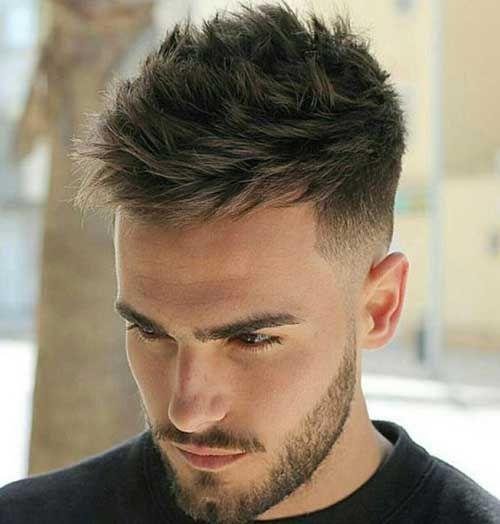 Aujourd'Hui, les hommes sont de plus en plus attentifs à leur apparence. Quand il s'agit de leur coiffure, elle doit être parfaite et vous ne pouvez pas toucher leurs cheveux facilement Beaucoup de femmes pensent que les hommes n'ont pas beaucoup de temps comme ils le font sur leurs cheveux, mais il est beaucoup …