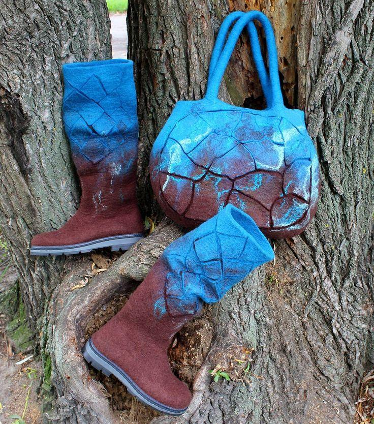 #feltzeppelin #feltfootwear #feltedboots #feltedbag #feltboots #feltbag #feltshoes #feltedshoes #wetfelting #wełniane #bluebrown #valenki #валенкиукраина #валянаяобувь #валянаясумка #валяюназаказ #валенки #inspiration #wintershoes #winteristda #winterwinds #uniquefashion #cuteshoes #woolinspiration #woolenbag
