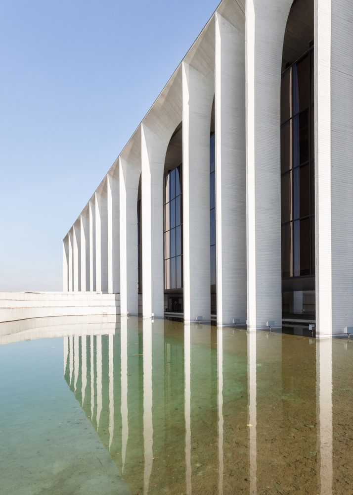 "Gallery of Oscar Niemeyer's ""Favorite Project in Europe"" Captured in Spectacular Photo Set by Karina Castro - 8"