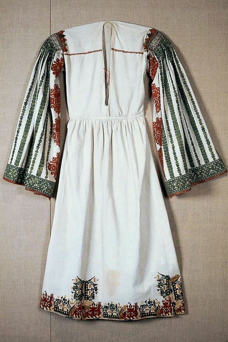 Bridal chemise Greek, 18th or 19th century Karpathos, Dodecanese, Astypalaia, Greece , Silk and metallic yarn embroidery