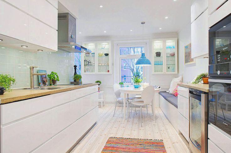Kjøkkeninspirasjon:)  The Design Chaser: Homes to Inspire | Colour me Pretty