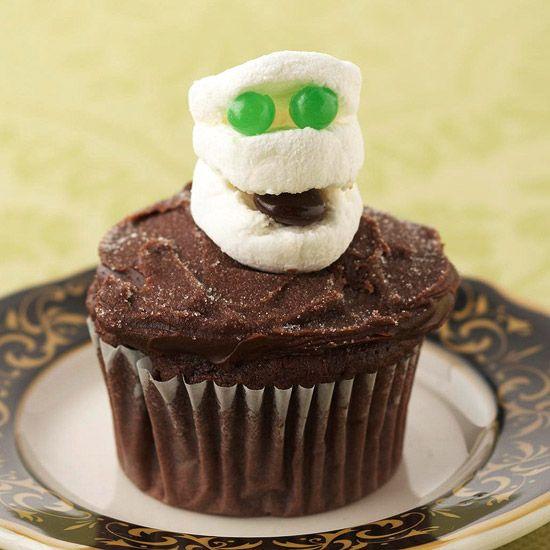 Marshmallow Mummy CupcakeHalloween Parties, Parties Snacks, Cupcakes Ideas, Halloween Recipe, Cupcakes Decor, Halloween Cupcakes, Halloween Food, Halloween Treats, Cupcakes Rosa-Choqu