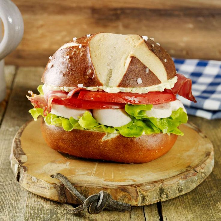 WeiwurstBurger  Rezept  Salate und Fingerfood  Food