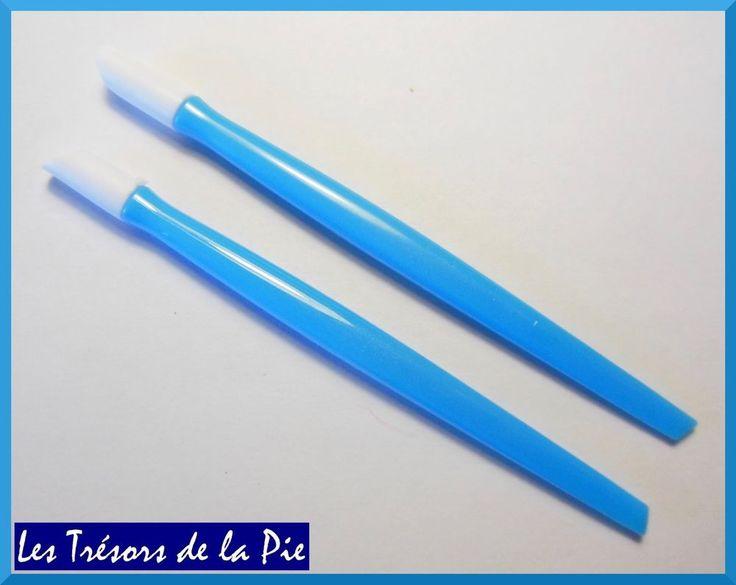 REPOUSSE CUTICULES (x2) - Outil nail art / manucure - 9,7cm - Bleu