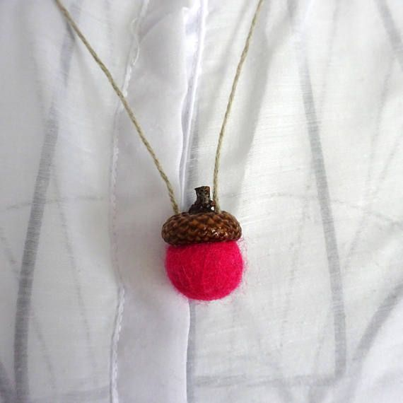 Necklace felt Natural acorn caps Acorn ornament Wool