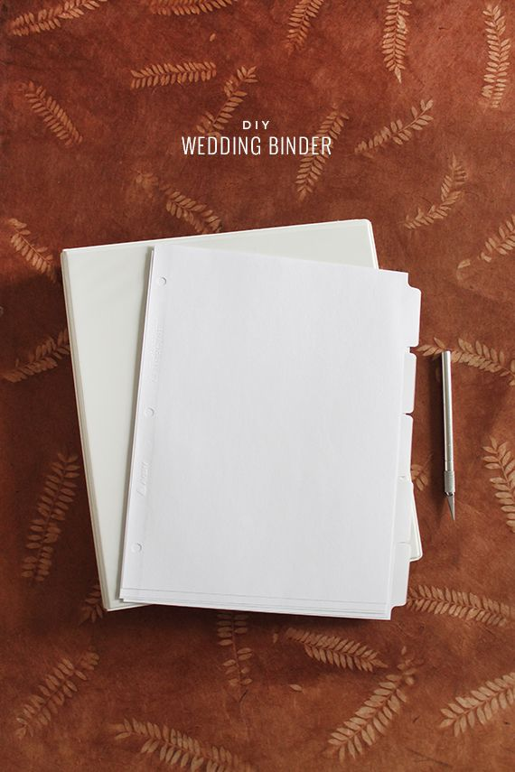 Diy wedding binder with free printables almost makes for Diy wedding binder templates