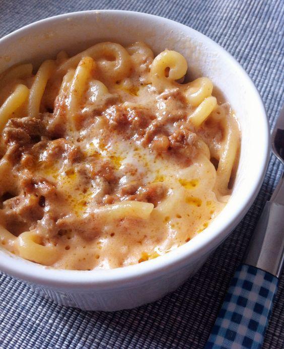 La gramigna con la salsiccia è un primo piatto della cucina modenese. La gramigna è un formato di pasta particolare, piccolo e a ricciolo, e qui a Modena v