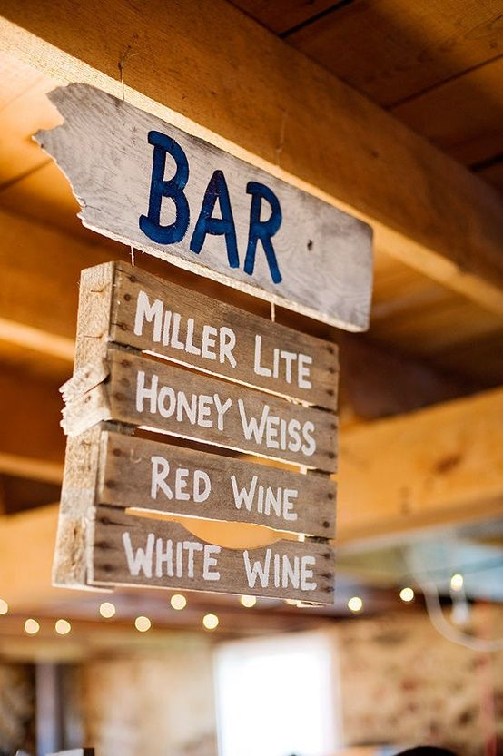 DIY Painted Pallet Bar Menu Sign. For the wedding | wayyyyy too freaking cute. Good idea for any signage needed at the wedding site!