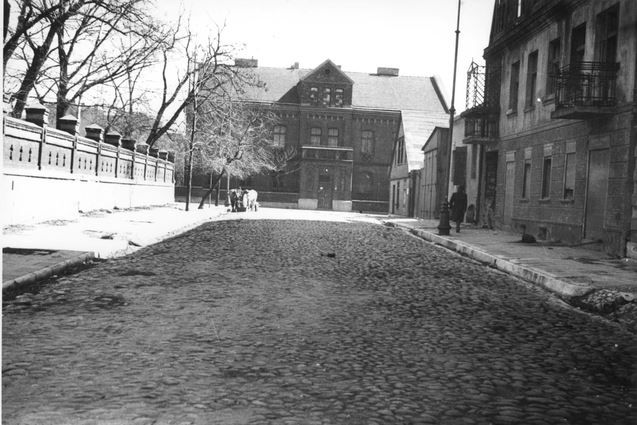Church Street With View On The Red House Lodz Poland Photo Yad Vashem Old Lodz Poland