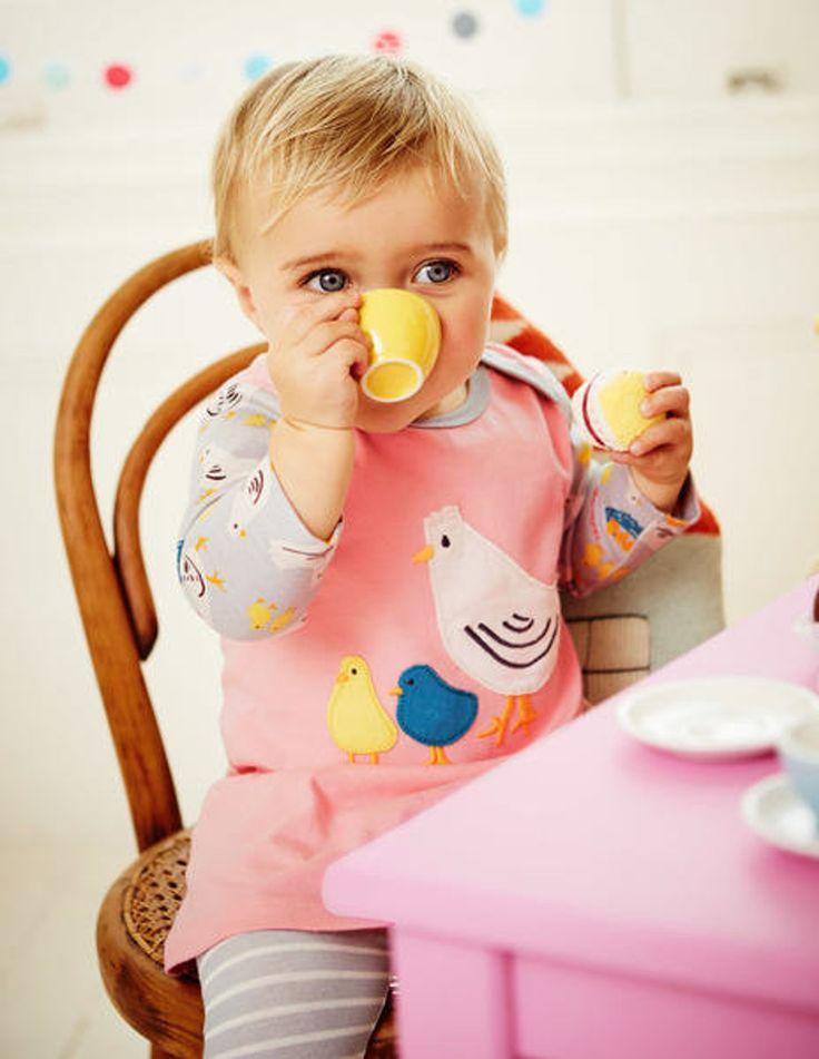 Robe pour petite fille Boden - Robe rose avec imprimé petite poules et legging gris à rayures blanches #mode #bebe #fille #naissance #mixte #hiver #ete