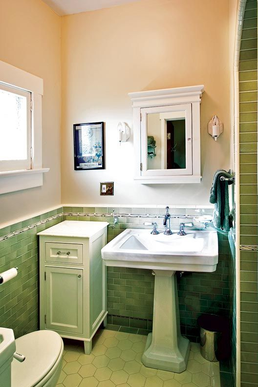 Craftsman Makeover for a California Bungalow & 269 best Vintage Bathrooms images on Pinterest | Bathrooms decor ... azcodes.com