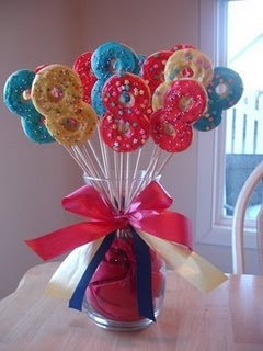 Great to be eight cookie bouquet DIY