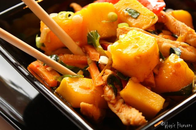 Magic Flavours: Chicken & mango stir fry / Stir fry de frango & ma...