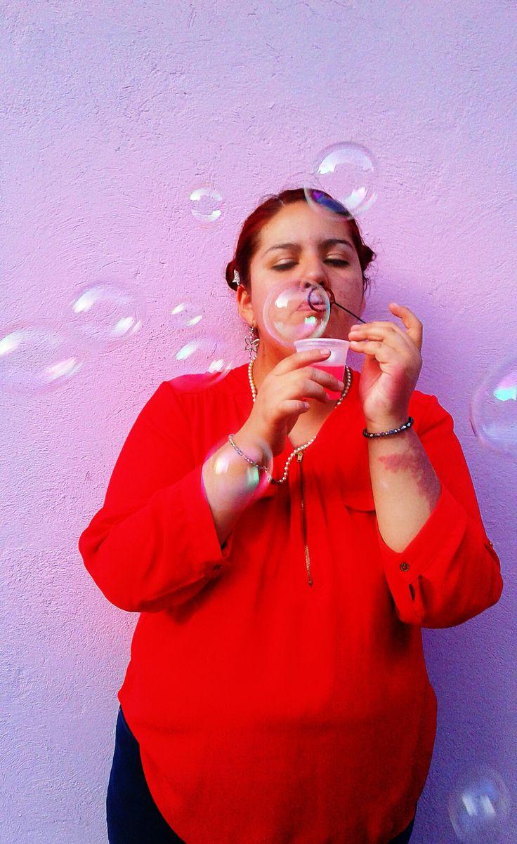 soplar burbujas