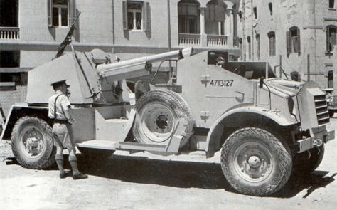 A 3-ton truck converted to a Self-propelled gun. Seen here being used by the Free French in North Africa. Pin by Paolo Marzioli