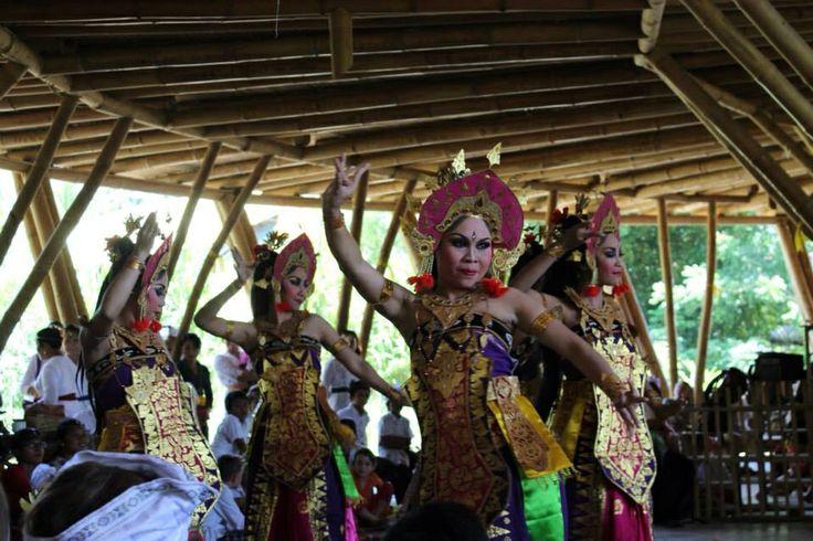 Celebrating the goddess of knowledge and the arts, Saraswati, at Green School.