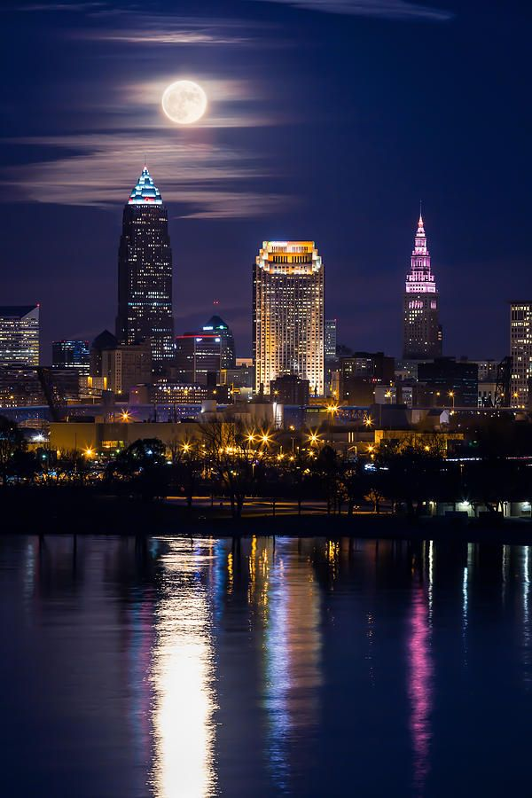 Cleveland Photograph - November Moon In Cleveland by Dale Kincaid