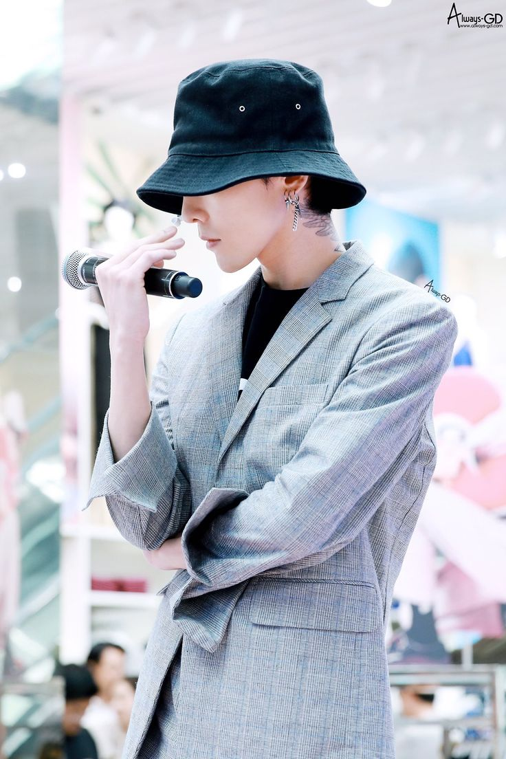 """fckyeahgdragon: """" 170501 G-Dragon - #my8seconds Fanmeet Event in Myeongdong DO NOT EDIT : Source: ALWAYS-GD """""""