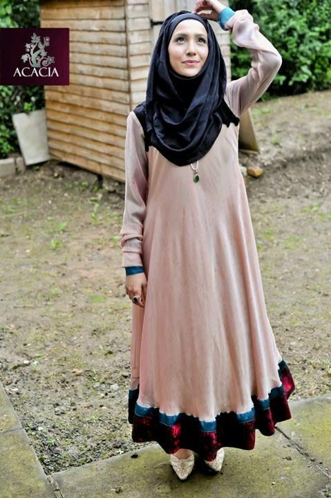 Lovely modest dress witb hijab