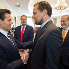 Mexico's President Enrique Pena Nieto greets actor Leonardo DiCaprio (338832)