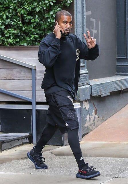 Adidas Yeezy Boost 350 v2, Macho Moda - Blog de Moda Masculina: Athleisure, o Visual Esportivo misturado no nosso dia a dia, pra inspirar! Kanye West, All Black, Sobreposição de Peças, Bermuda com Legging,