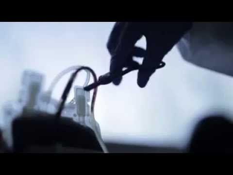 ¿A dónde va la sangre que donamos? ¿Cómo se almacena? ¿Qué se hace exactamente con ella? ¿Cómo se extrae el plasma o las plaquetas?. Este Banco de Sangre, no...