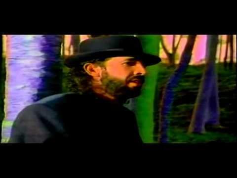 Juan Luis Guerra ~~~ Burbujas de Amor (Videoclip Oficial) ►