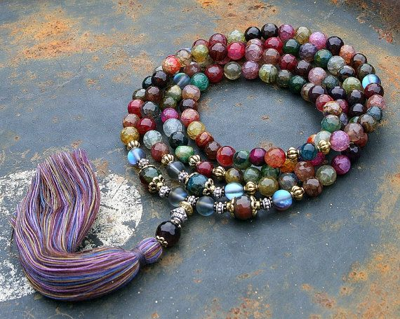 Mala necklace made of 108, 8 mm - 0.315 inch, beautiful faceted agate gemstones and decorated with plated cristal and faceted agate - look4treasures on Etsy