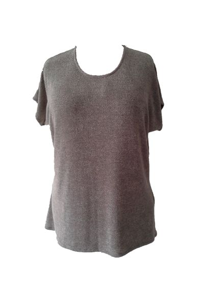 Plus size short sleeve knit top www.curv8ious.com