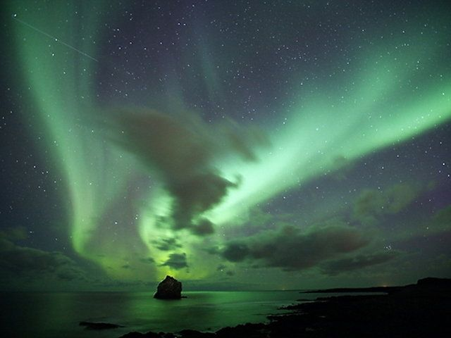 Aurora Borealis in Iceland on Vimeo by Olgeir Andresson | by olgeir