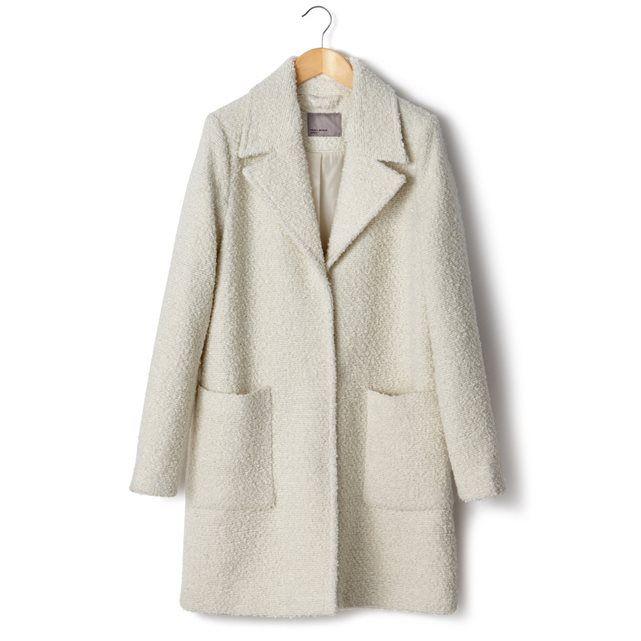 Пальто с V-образным вырезом, буклированный трикотаж, 100% полиэстера. Застежка на пуговицы и кнопки. 2 больших кармана.