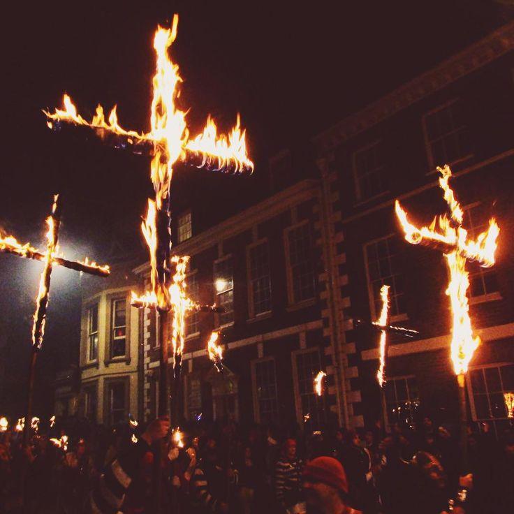 My only useable photo from Lewes Bonfire.  #fireworks #bonfire #bonfirenight  #lights #urban #night #nightlights #fire #culture #travel #travelgram #vscocam #vsco
