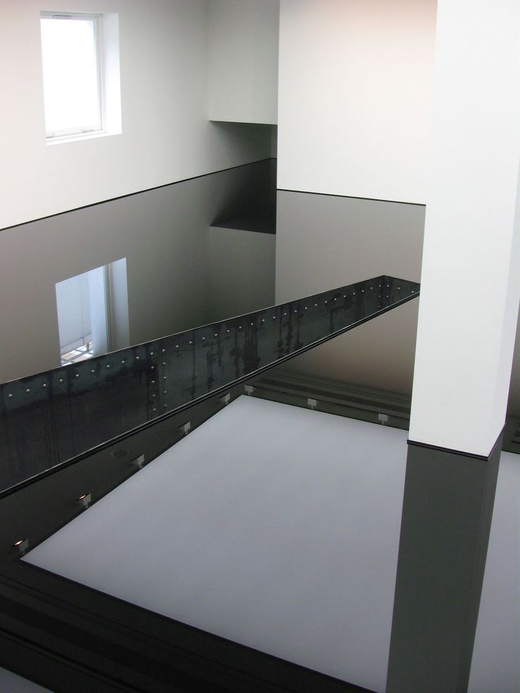 saatchi gallery, Richard Wilson